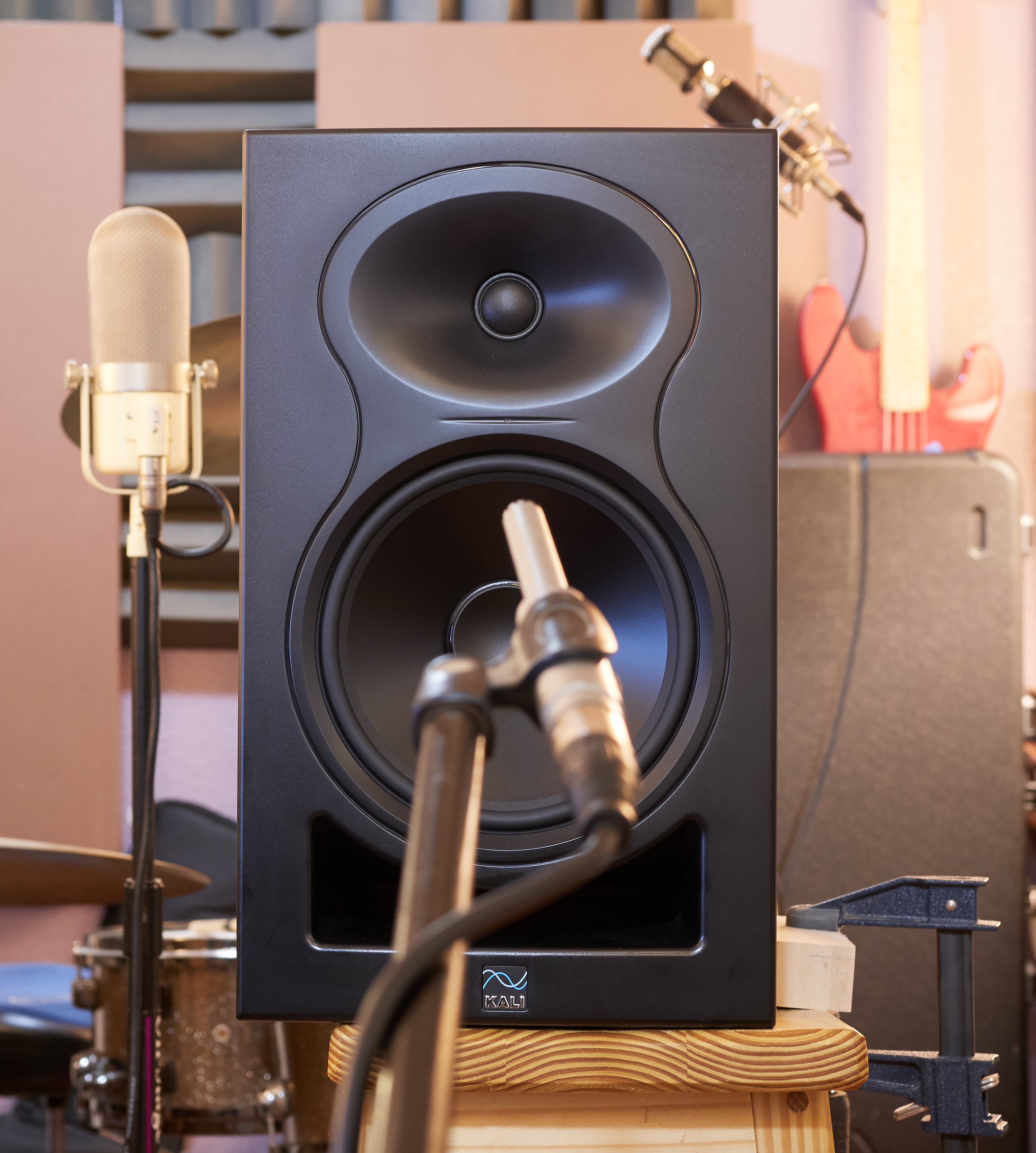 Kali Audio LP8